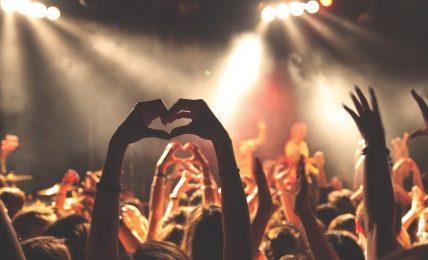 Les concerts debout sont bannis depuis plus d'un an en raison de la crise sanitaire.