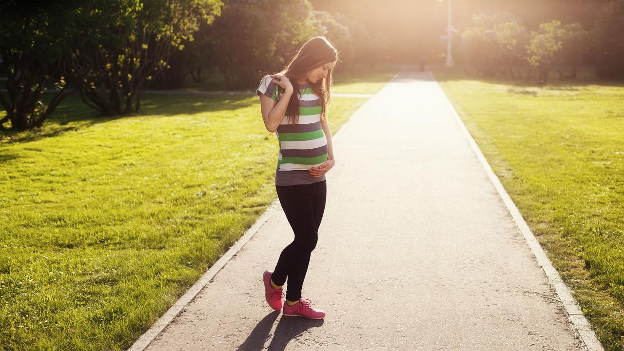 Rebellissime Top des activités sportive pendant la grossesse : la marche
