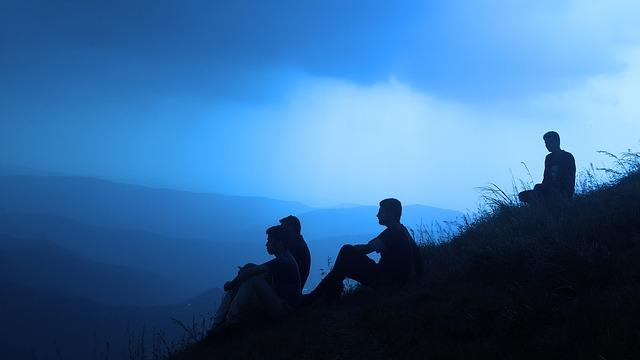 Rebel Tatrac silhouette-people-1209722_640